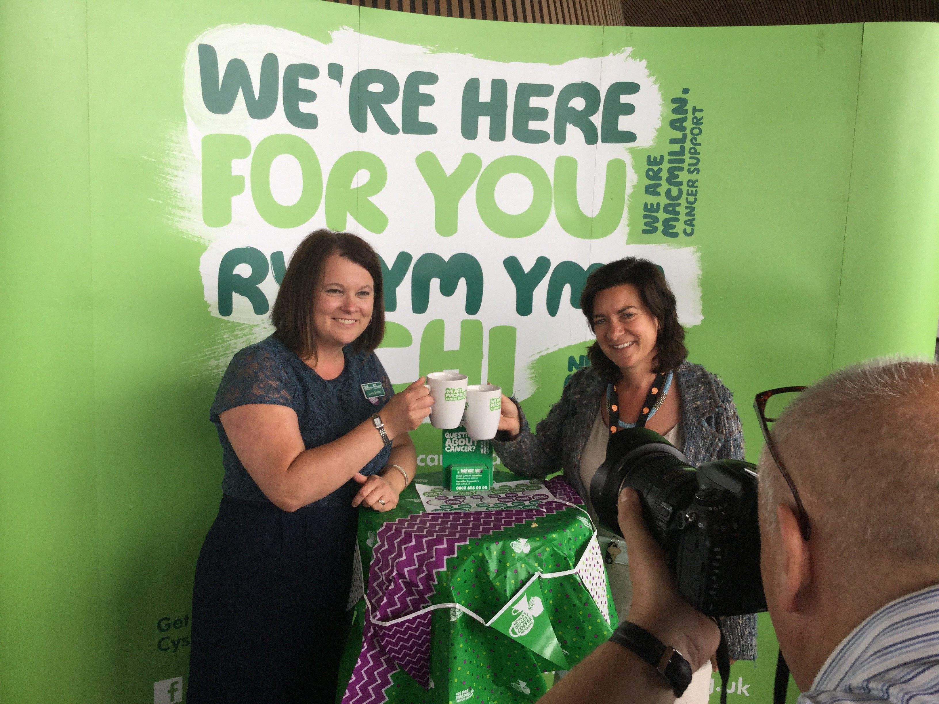 Eluned supports Macmillan Cancer Coffee Morning at the Senedd